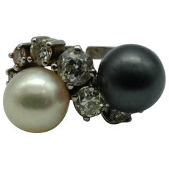 Antique White Gold 18 Karat with White and Black Pearls and White Diamonds