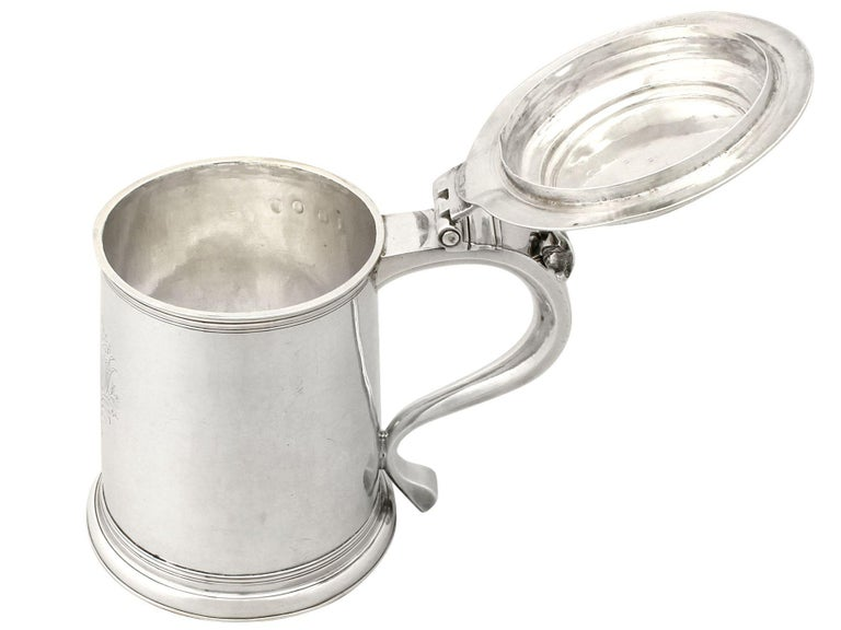 Early 18th Century Antique William III Britannia Standard Silver Quart Tankard For Sale