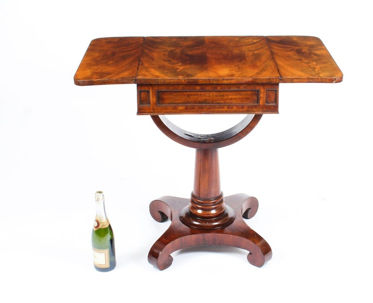Antique William IV Flame Mahogany Drop-Leaf Work Table, 19th Century For Sale 7