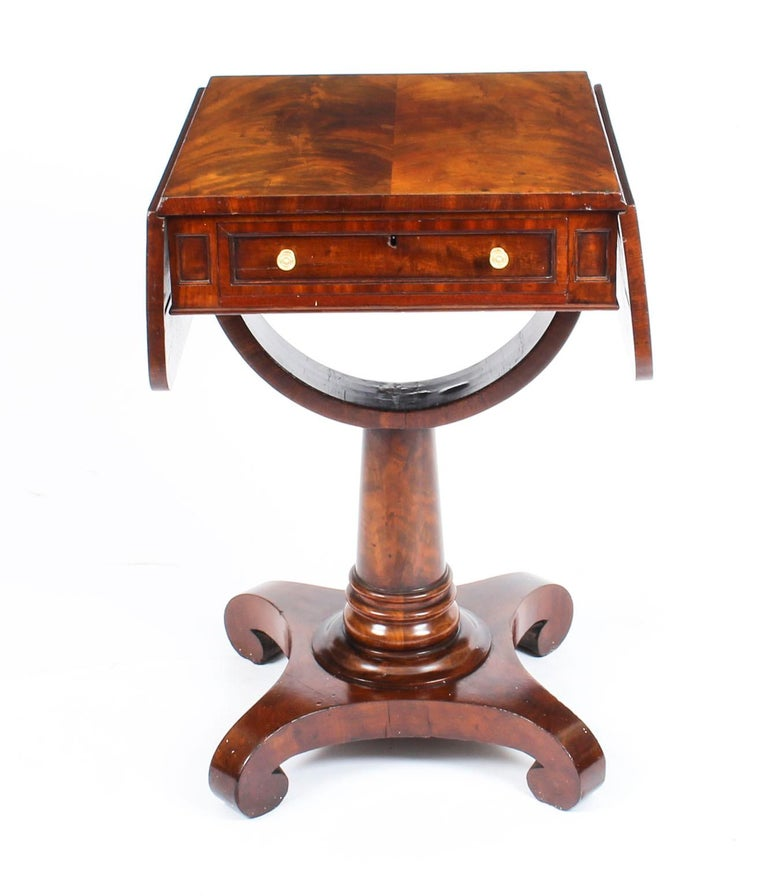 Antique William IV Flame Mahogany Drop-Leaf Work Table, 19th Century For Sale 8