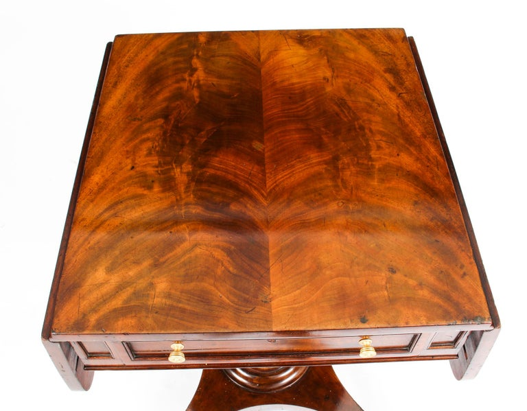 1830s Antique William IV Flame Mahogany Drop-Leaf Work Table, 19th Century For Sale