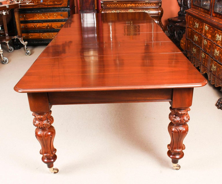 Mid-19th Century Antique William IV Mahogany Dining Table 19th Century & 12 Dining Chairs