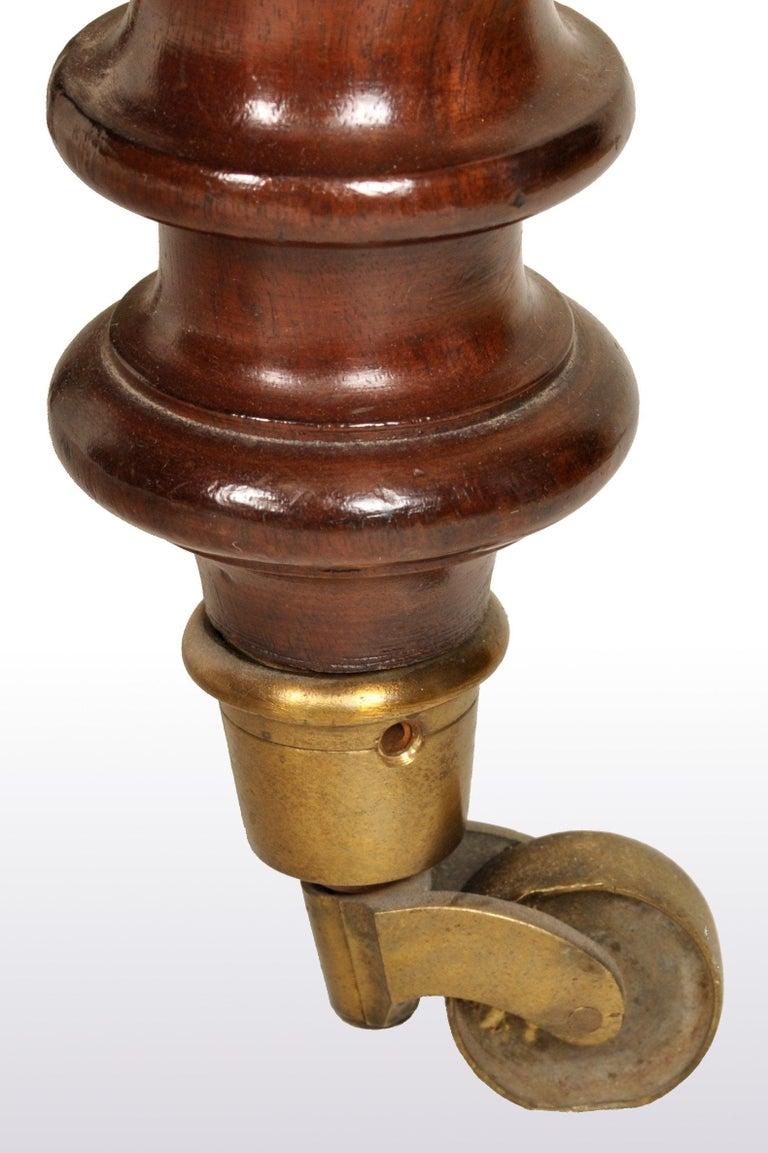 Antique William IV Mahogany Dumb-Waiter / Server / Table, circa 1830 For Sale 2