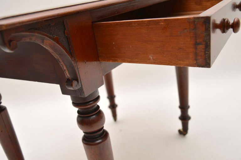 Leather Antique William IV Mahogany Writing Table / Desk For Sale