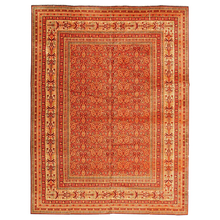 Antique Wilton English Carpet. Size: 8 ft 8 in x 11 ft 7 in (2.64 m x 3.53 m) For Sale