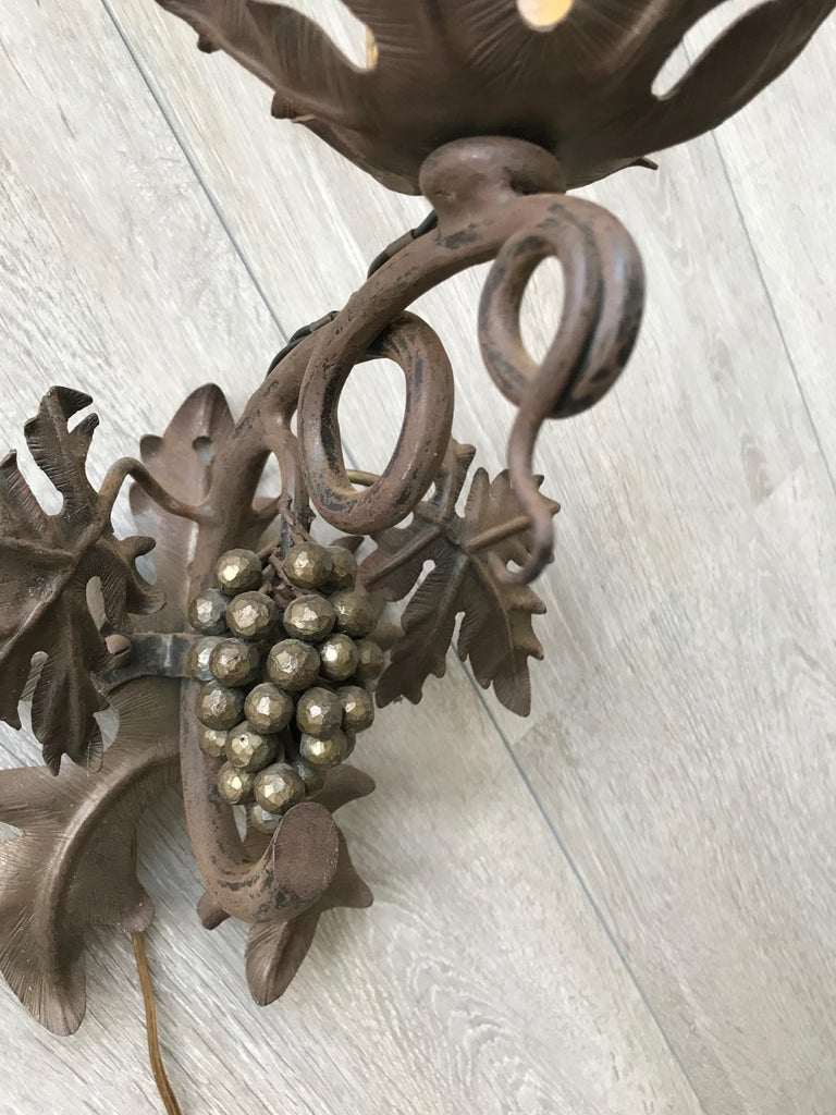 Antique Wine Theme Wall Lamp/Sconce with Wrought Iron Bunch of Grapes & Leafs In Good Condition For Sale In Lisse, NL