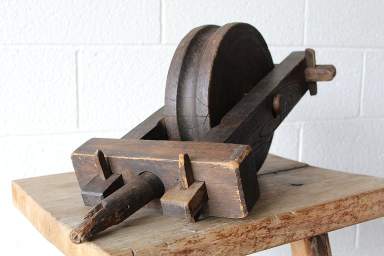 Antique Wood Pulley In Good Condition For Sale In Scottsdale, AZ