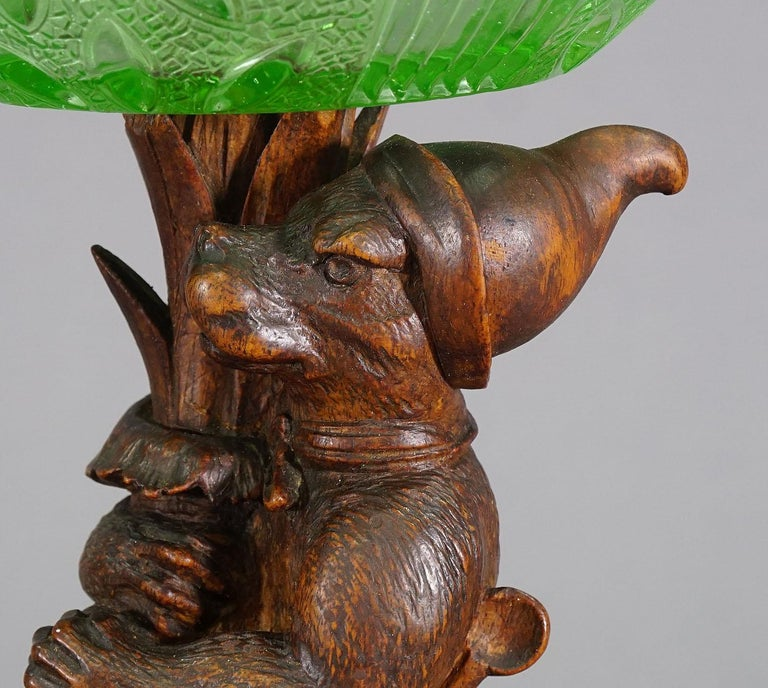 Antique Wooden Carved Black Forest Fox with Glass Bowl In Good Condition For Sale In Berghuelen, DE