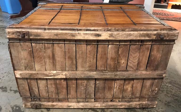 Antique Wooden Dog Carrier by Absalom Backus, Jr & Sons with Label circa 1902 For Sale 6
