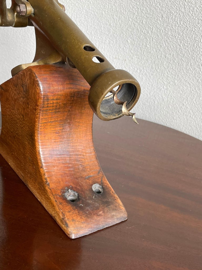 Antique Wooden & Solid Brass Bar Corkscrew for Wine Collectors, Marked The King For Sale 5