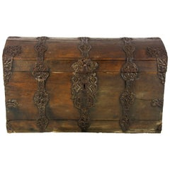 Antique Wooden Trunk, 18th Century Oak Dome Top Coffer, Germany 1780, B1500
