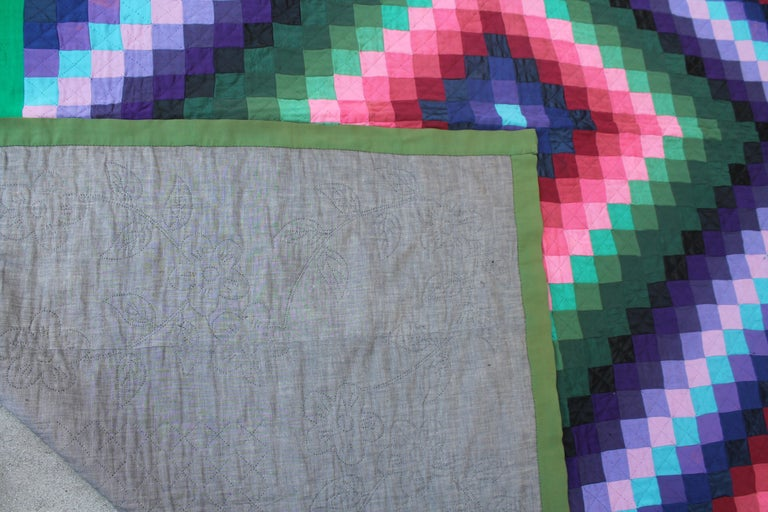 Antique Wool Quilt, Amish Sunshine & Shadow Quilt In Good Condition For Sale In Los Angeles, CA
