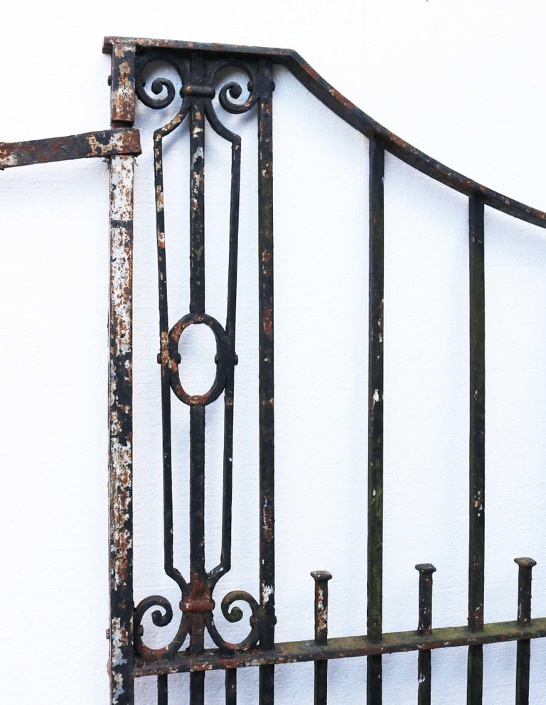 Antique Wrought Iron Driveway Gates In Fair Condition For Sale In Wormelow, Herefordshire