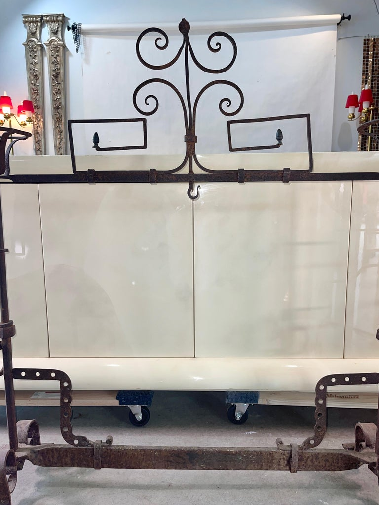 Antique Wrought Iron Fireplace Lanier In Good Condition For Sale In Hingham, MA
