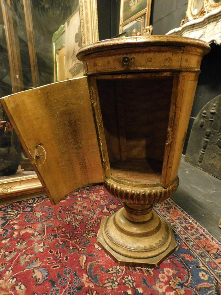 Italian Antique Yellow and Gold Lacquered Wooden Nightstand or Cabinet, 1800, France For Sale