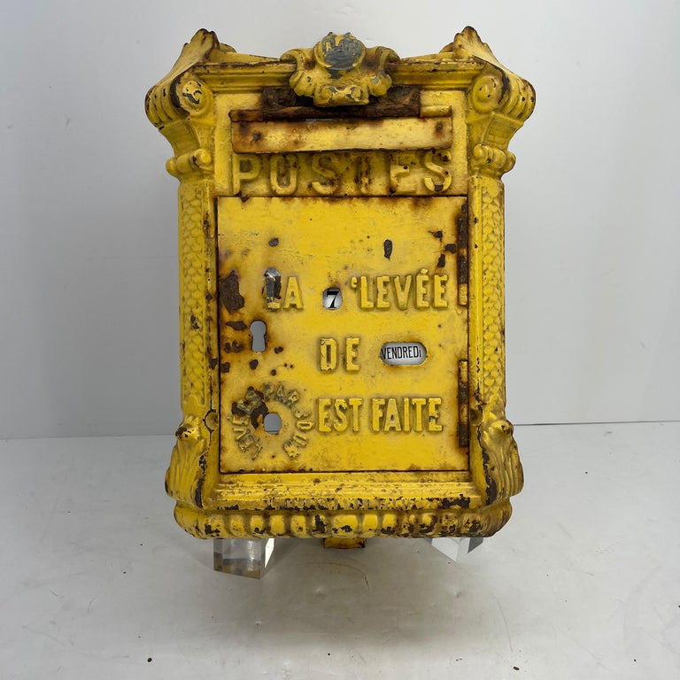 Antique Yellow Cast Iron French Mailbox with Enamel Date Dials In Good Condition For Sale In Haddonfield, NJ