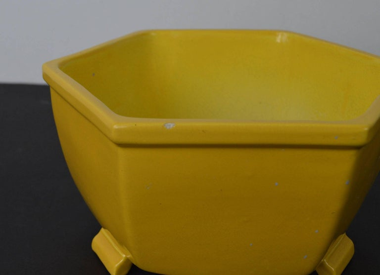 Late 19th Century Antique Yellow Ceramic Bowl in Chinese Style For Sale
