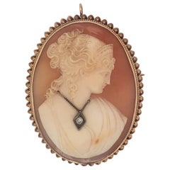 Antique Yellow Gold Cameo with Diamond