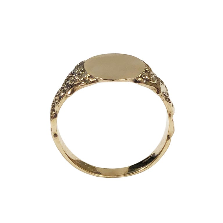 Antique Yellow Gold Serpent Signet Ring In Excellent Condition For Sale In Chicago, IL