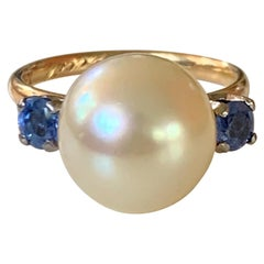 Antique Yellow South Sea Pearl and Sapphire 18 Karat Yellow Gold - Size 5 1/4