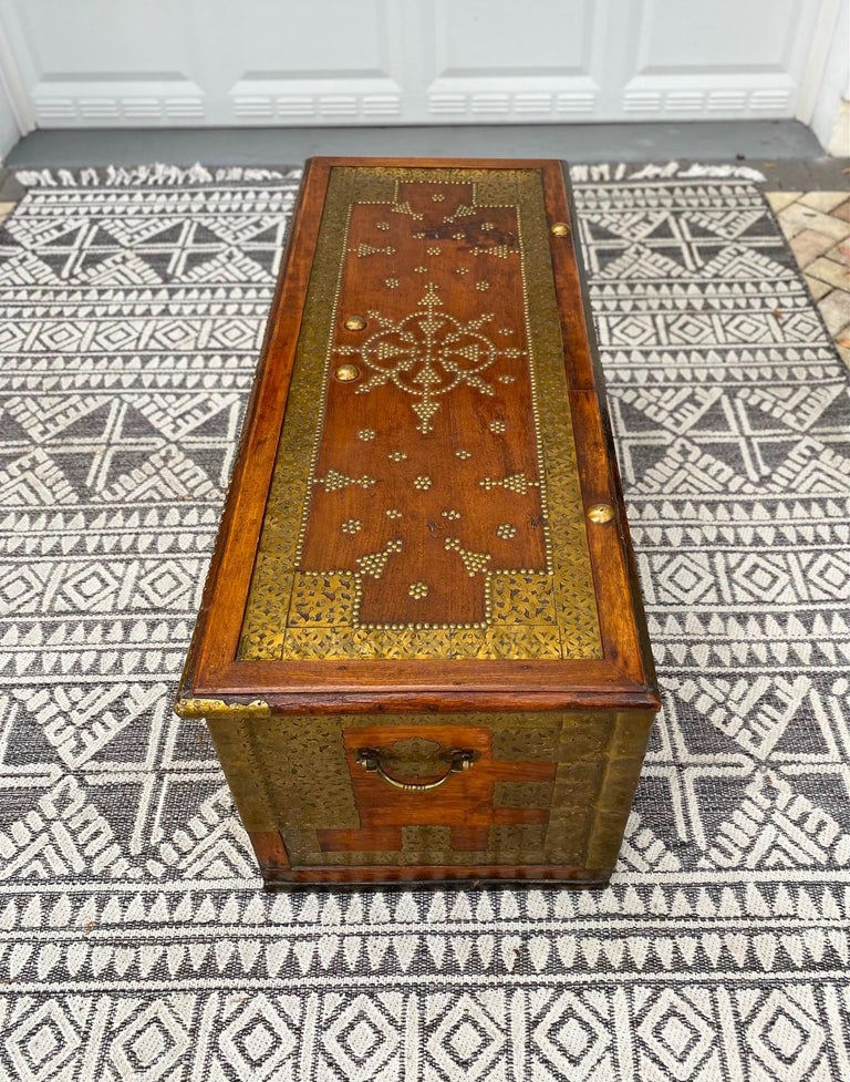 Antique Zanzibar Blanket Chest Teak Wood with Brass Metal Overlay, 19th Century For Sale 5