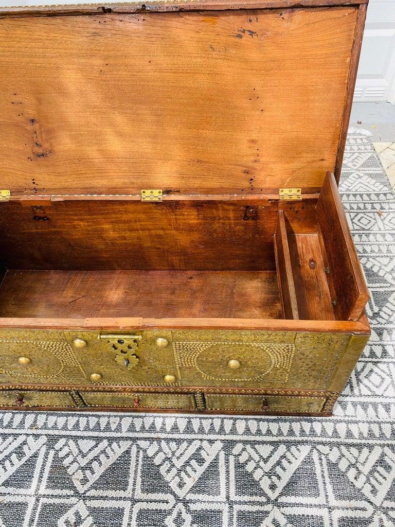 Antique Zanzibar Blanket Chest Teak Wood with Brass Metal Overlay, 19th Century For Sale 7