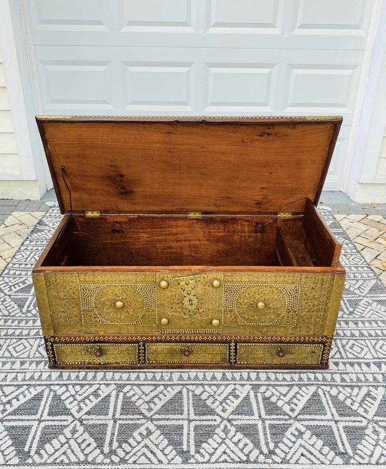 Mid-19th Century Antique Zanzibar Blanket Chest Teak Wood with Brass Metal Overlay, 19th Century For Sale