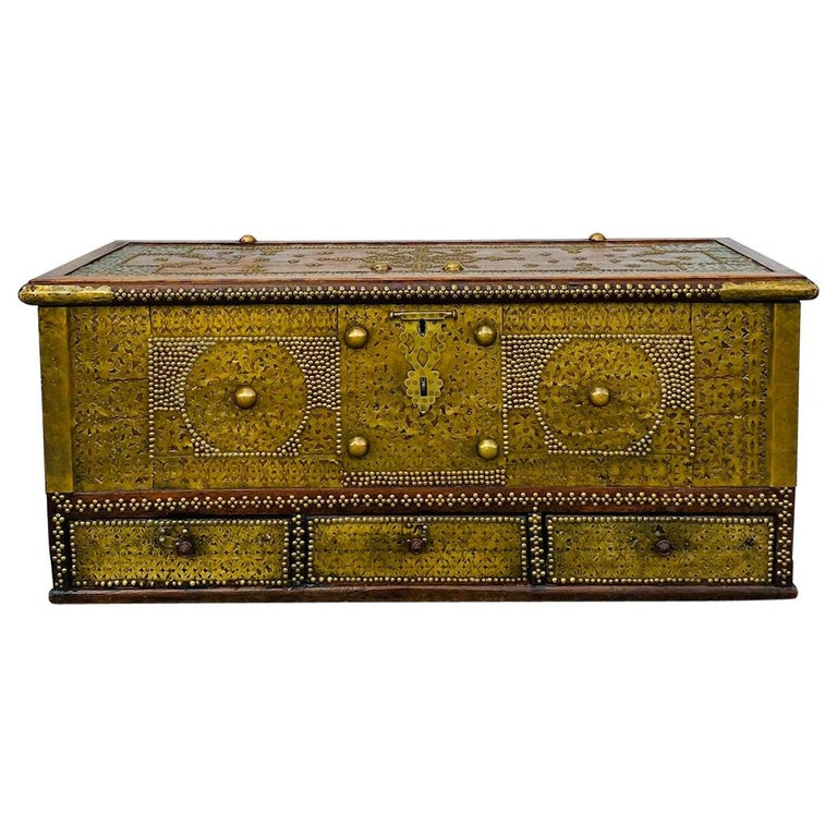 Antique Zanzibar Blanket Chest Teak Wood with Brass Metal Overlay, 19th Century For Sale