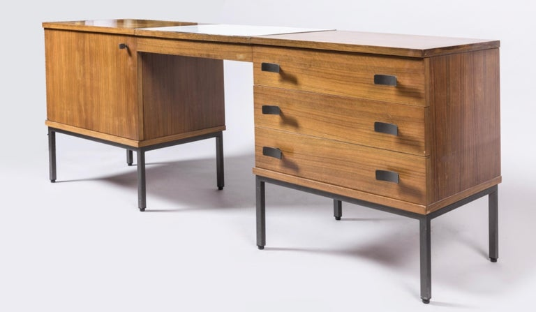 Antoine Philippon Jacqueline Lecoq -Very interesting desk in rosewood veneer on legs and handles in black lacquered metal - DIM 180cm x 71.5 x 45 - 1965.