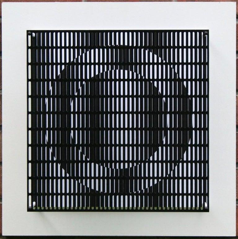 Antonio Asis Abstract Sculpture - Vibration cercles noir et blanc