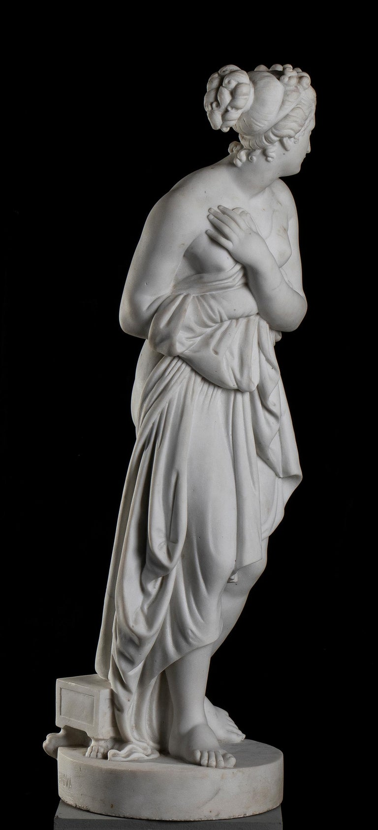 This marble sculpture of Venus Italica is a reduced scale, aprox 1/2,  of the  original version of the  Venus Italica, that is a height 172 cm and was commissioned by Napoléon Bonaparte and fashioned by Italian sculptor Antonio Canova. Canova