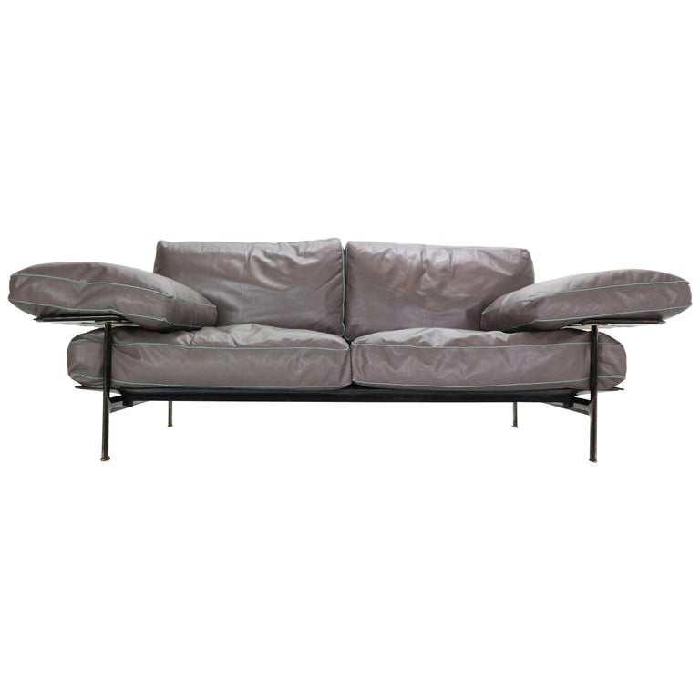 "Antonio Citterio & Paolo Nava First Edition ""Desis"" Sofa for B&B Italia, 1979 For Sale"