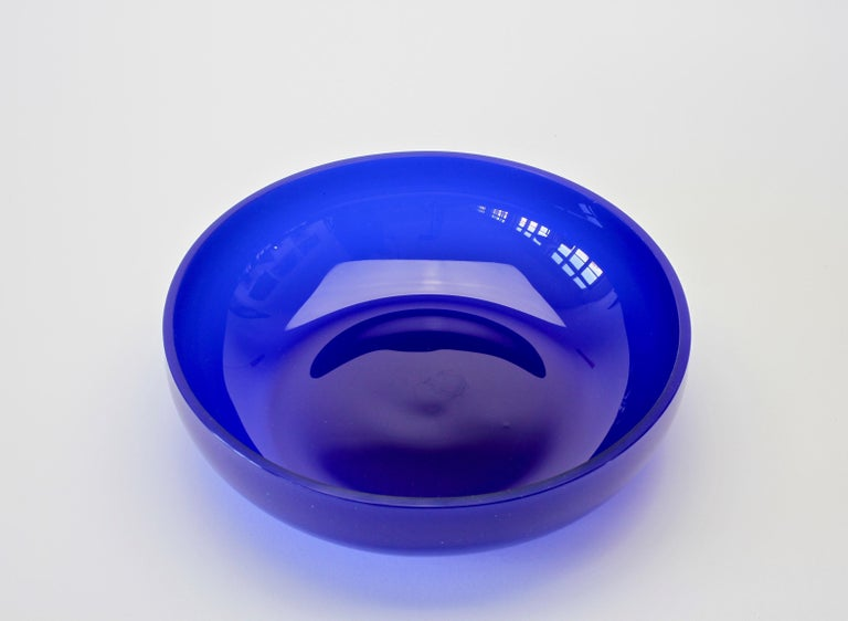 20th Century Antonio da Ros 'attributed' for Cenedese Cobalt Blue Colored Murano Glass Bowl For Sale