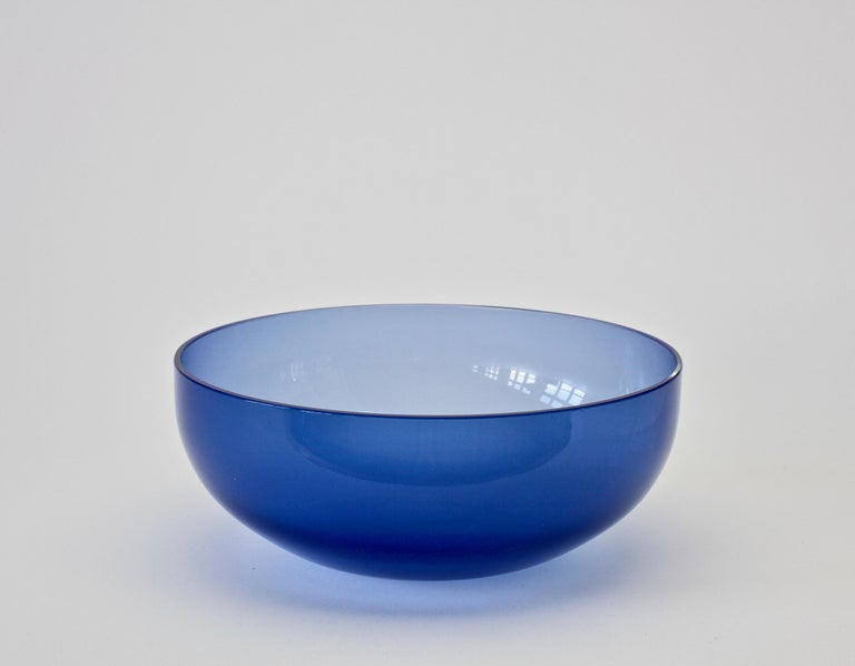 Mid-Century Modern Antonio da Ros 'Attributed' for Cenedese Opaline Blue Colored Murano Glass Bowl For Sale