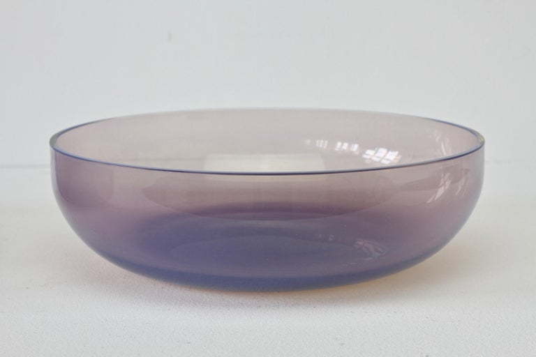 20th Century Antonio da Ros for Cenedese Murano Glass Pair of Pink Lilac Coloured Glass Bowls For Sale