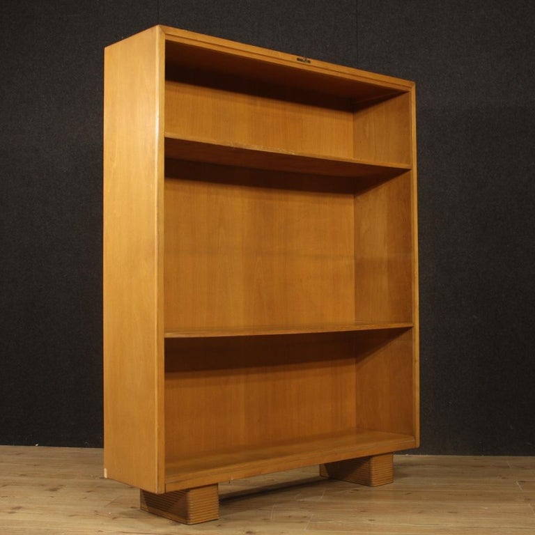 Antonio Ferretti 20th Century Beech and Fruitwood Italian Design Bookcase, 1930 For Sale 3