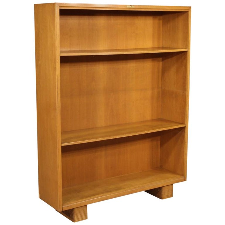 Antonio Ferretti 20th Century Beech and Fruitwood Italian Design Bookcase, 1930 For Sale