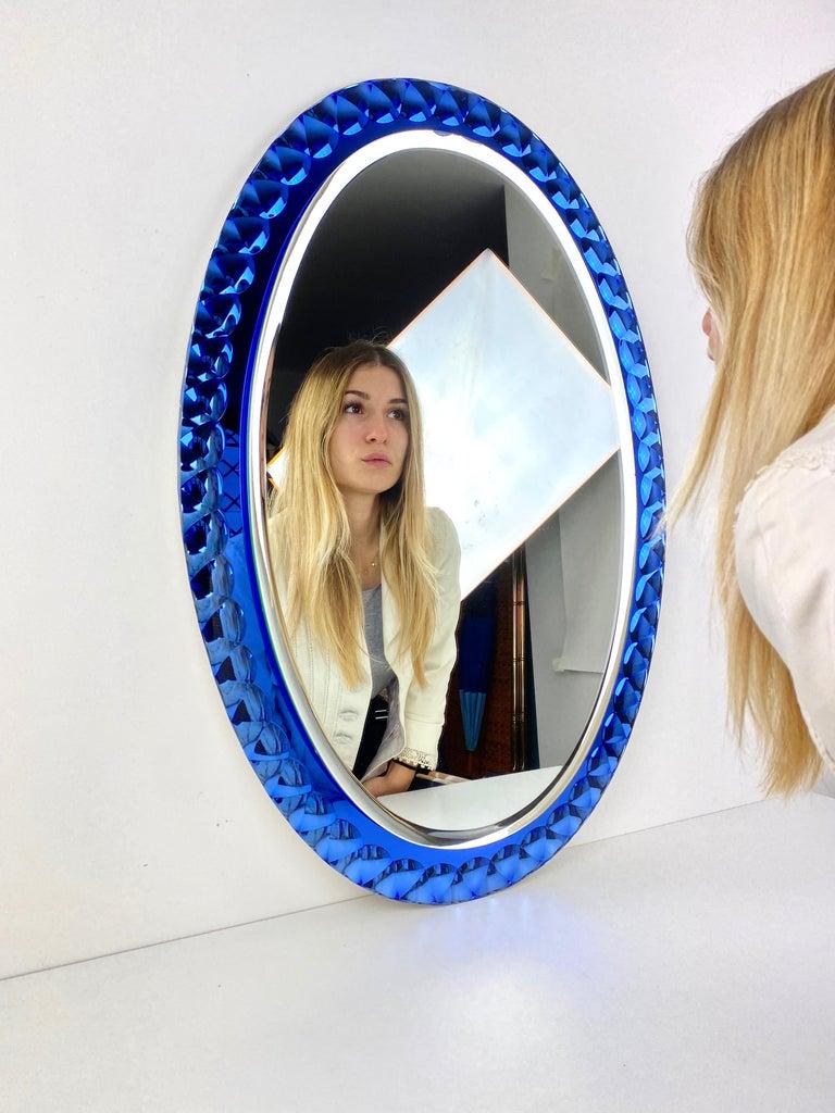 Antonio Lupi Mid-Century Modern Italian Oval Mirror by Cristal Luxor, 1960s In Good Condition In Rome, IT