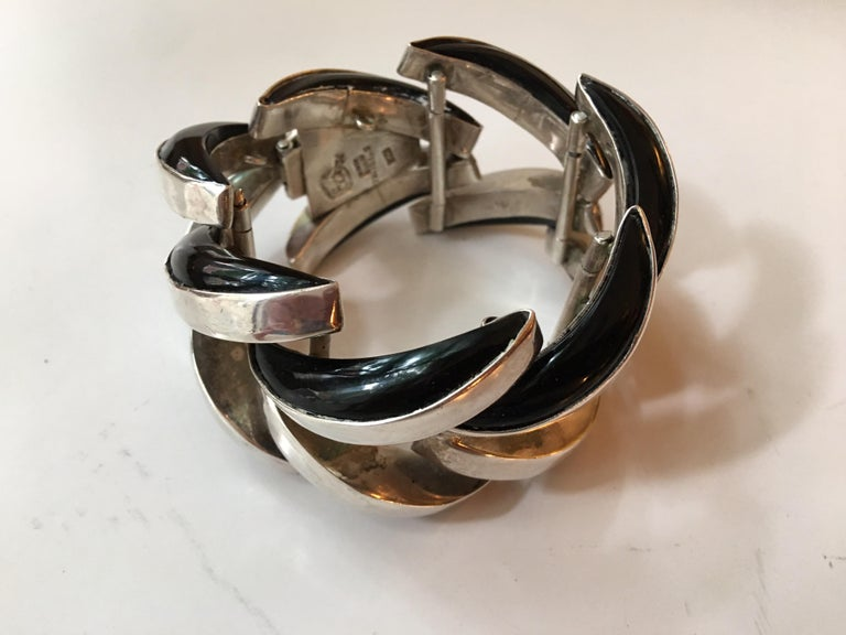 Mid-20th Century Antonio Pineda Mexican Sterling and Onyx Bracelet For Sale