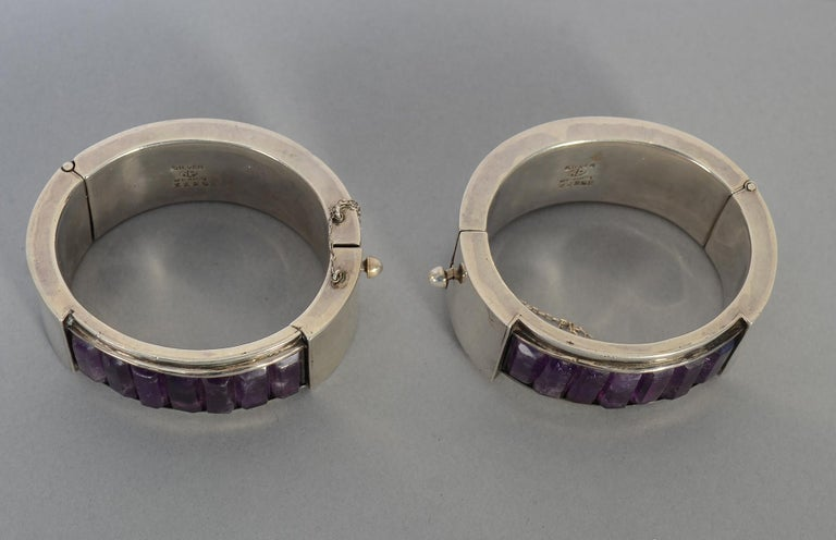 Antonio Pineda Pair of Sterling Silver and Amethyst Hinged Bangle Bracelets In Excellent Condition For Sale In Darnestown, MD