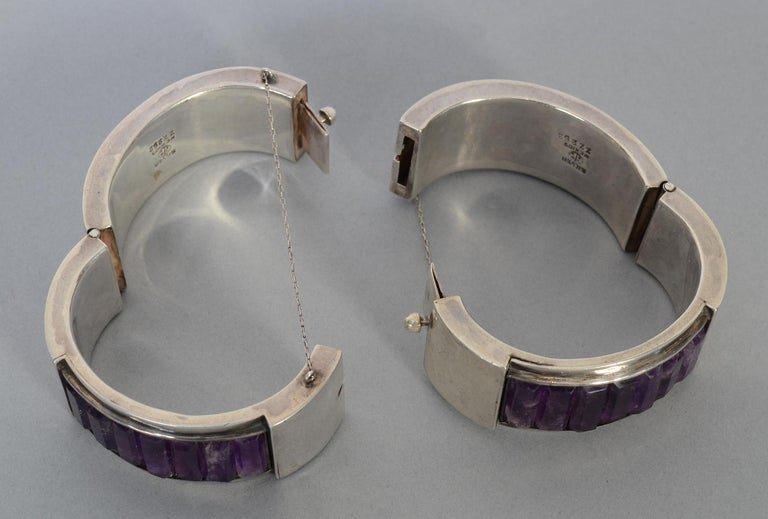 Women's Antonio Pineda Pair of Sterling Silver and Amethyst Hinged Bangle Bracelets For Sale