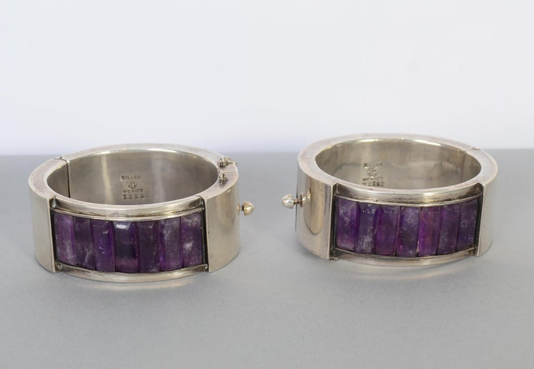 Antonio Pineda Pair of Sterling Silver and Amethyst Hinged Bangle Bracelets For Sale 2