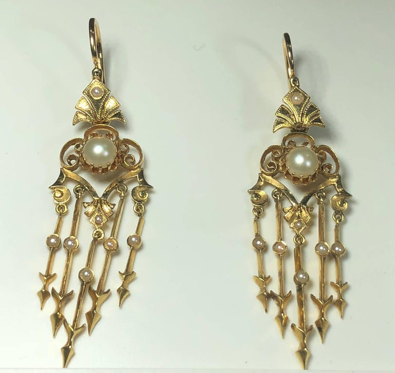 Antique Victorian 18 Karat Natural Pearl and Seed Pearl Chandelier Earrings For Sale 1