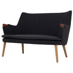 AP20 Sofa by Hans J. Wegner