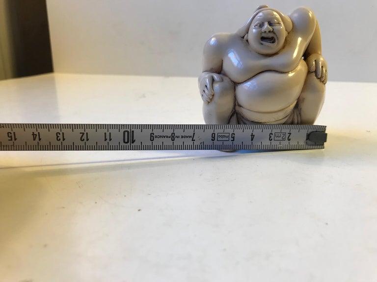 Japanese Sumo Wrestler Figurine in Carved Bone, 1900s For Sale 5