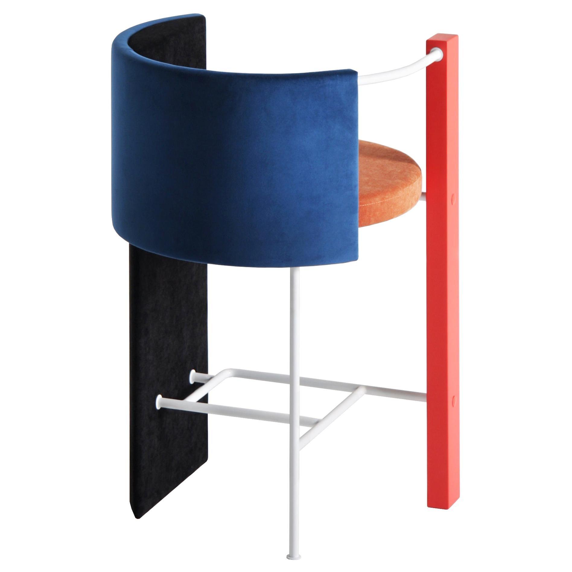 """""""Apart Chair"""" in Bar Edition"""