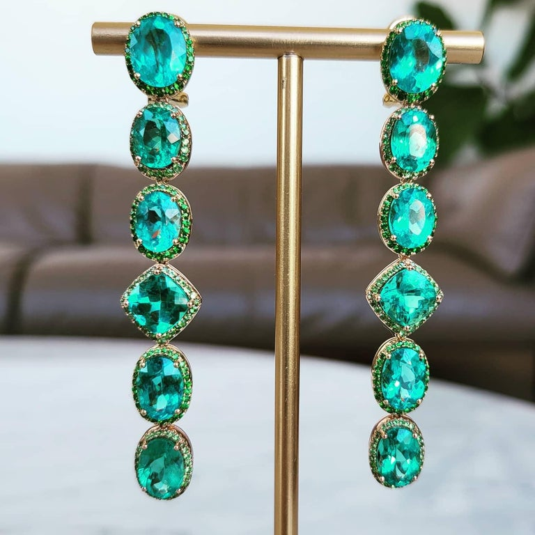 Apatite Paraiba Cocktail Long Earrings with 18 Karat Gold and Green Garnet In New Condition For Sale In Hong Kong, HK