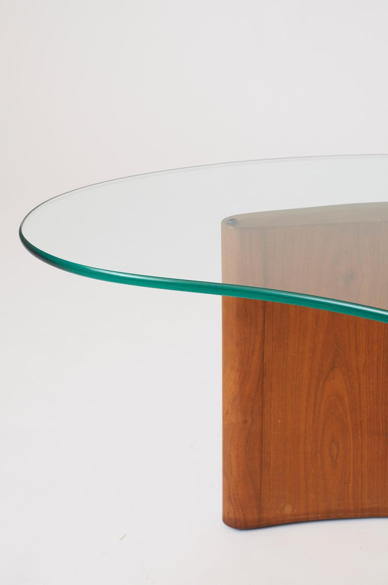 Apostrophe Shape Coffee Table Attributed to Vladimir Kagan In Good Condition For Sale In San Francisco, CA