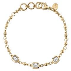 Approximately 1.50 Carats of Emerald Cut Diamonds Set on a Yellow Gold Bracelet