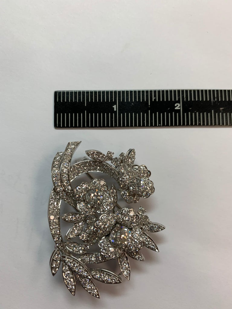 Appx 11 carat Platinum Handcrafted Brooch & Pendant Natural Diamond Circa 1950 In Good Condition For Sale In Los Angeles, CA